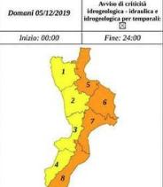 Maltempo, domani allerta arancione in Calabria: scuole chiuse a Catanzaro