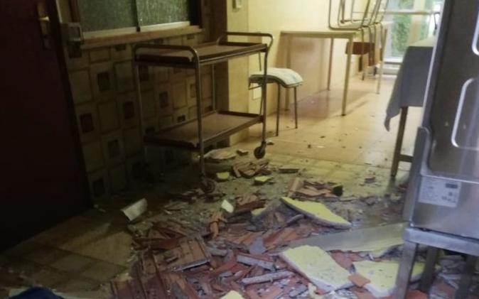 Capo d'Orlando, crolla controsoffitto in un asilo comunale: 4 cuoche ferite