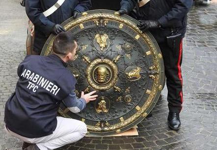 Ritrovato lo scudo di Garibaldi, era . in casa di un architetto di Roma