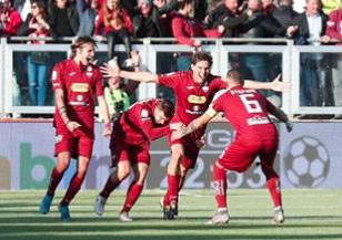 Trapani 'scippato' dall'arbitro: due rigori al Perugia e finisce in parità ( 2 - 2)