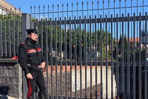 Uccide la moglie a colpi di bastone a Mascali: morta dopo 2 giorni in ospedale a Catania