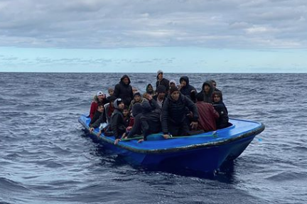 Migranti, Open Arms sbarca a Messina e Sea Watch a Taranto