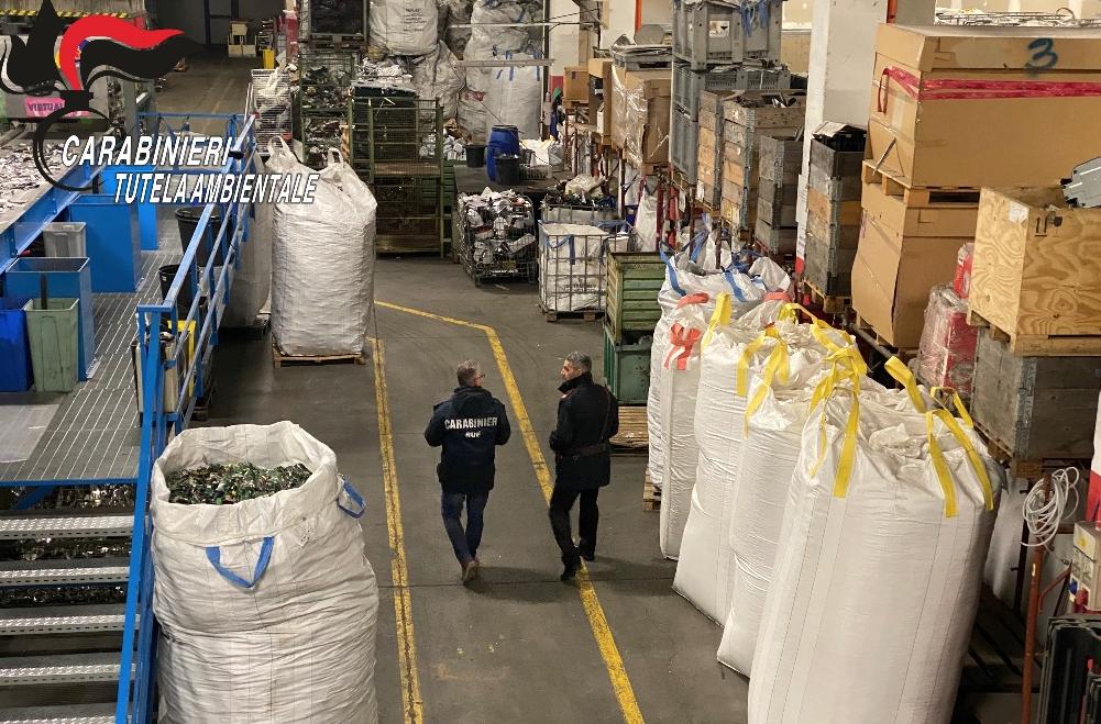 Sequestrato a Siracusa un impianto per rifiuti di apparecchi elettrici