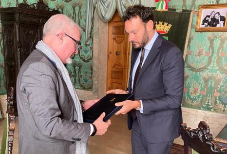 Siracusa, il sindaco riceve l'ambasciatore di Cuba in Italia