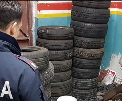 Catania, avevano un'officina e percepivano il reddito: 2 fratelli denunciati