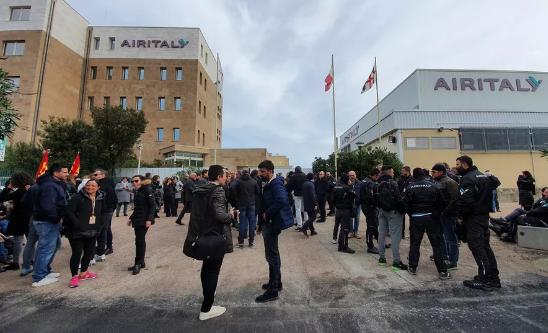 In arrivo licenziamento collettivo per 1450 dipendenti di Air Italy