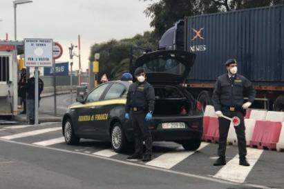 Trovati fuori da casa, 19 denunciati dalla Guardia di finanza a Catania