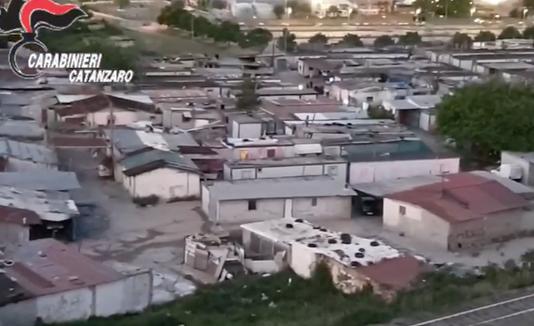 Materiale edile in cambio di 'protezione', due arresti a Lamezia Terme
