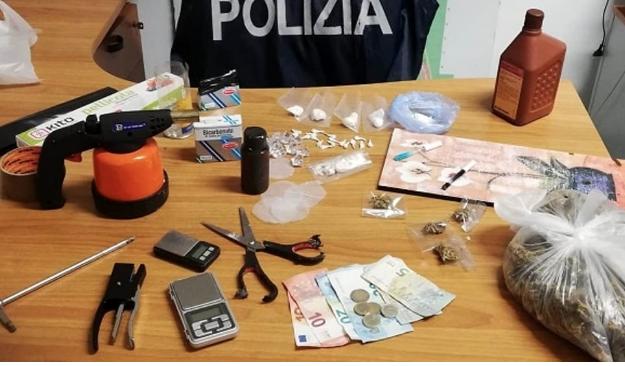 Droga, scoperti a Palermo laboratori di crack: quattro persone indagate