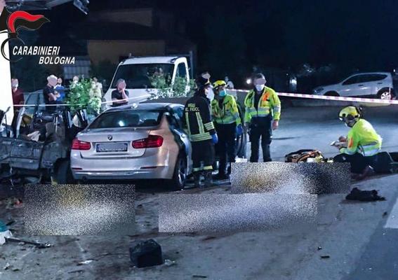 Scontro fra 2 auto nel Bolognese, 4 morti: tra le vittime pure una bambina