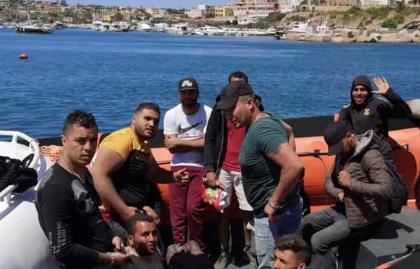 Tre sbarchi in poche ore a Lampedusa: arrivati 36 migranti