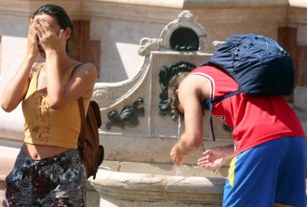 Allerta caldo record per 3 città italiane: Brescia, Bologna e Perugia