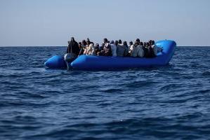 Alarm Phone, 47 migranti alla deriva a largo della Libia
