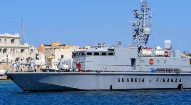 Affonda un peschereccio a Lampedusa: morto marinaio di 59 anni