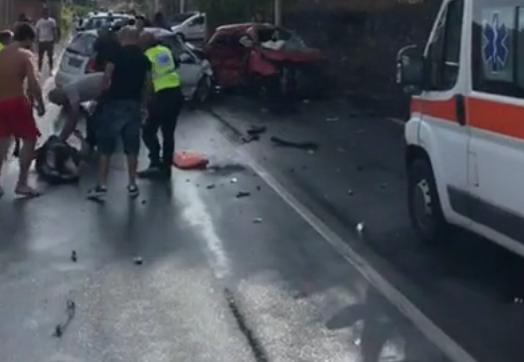 Incidente stradale a Trecastagni: 5 giovani restano feriti