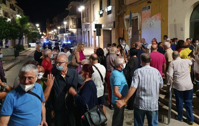 Campobello di Mazara, bagno di folla al comizio di Antonio Ingroia