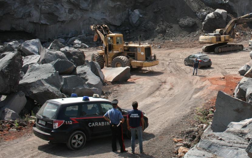 Belpasso, sequestrata una cava di pietra lavica di 20 mila metriquadrati