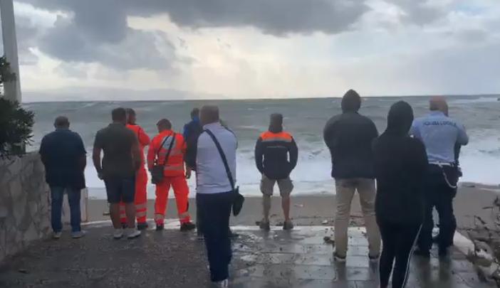 Milazzo, si tuffa per salvare 2 ragazzini: militare della Guardia costiera disperso