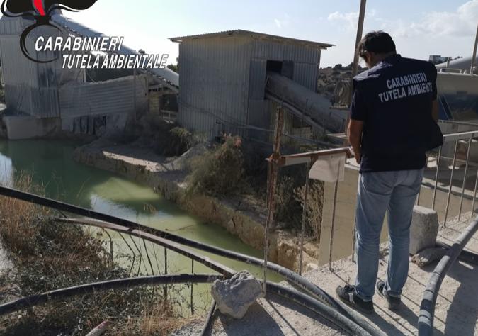 Il Noe sequestra a Modica un impianto per la frantumazione di inerti