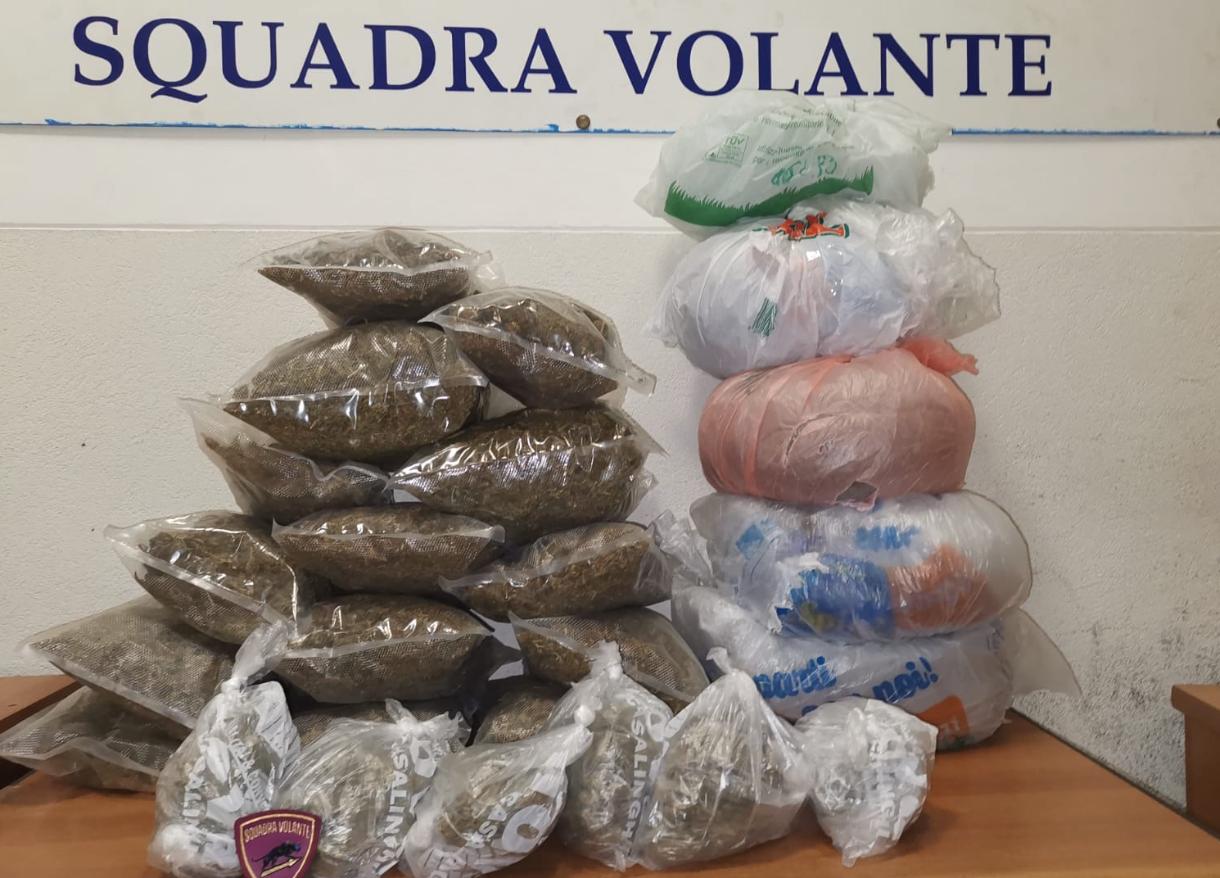 Catania, scoperto un deposito con 8 chili di marijuana