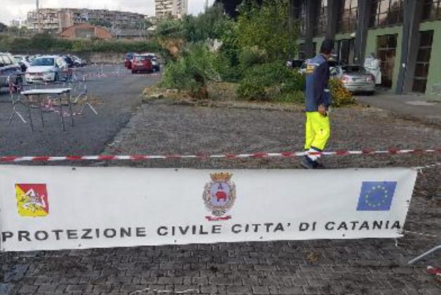 Catania, drive-in Asp dei tamponi covid all'ex mercato di San Giuseppe La Rena