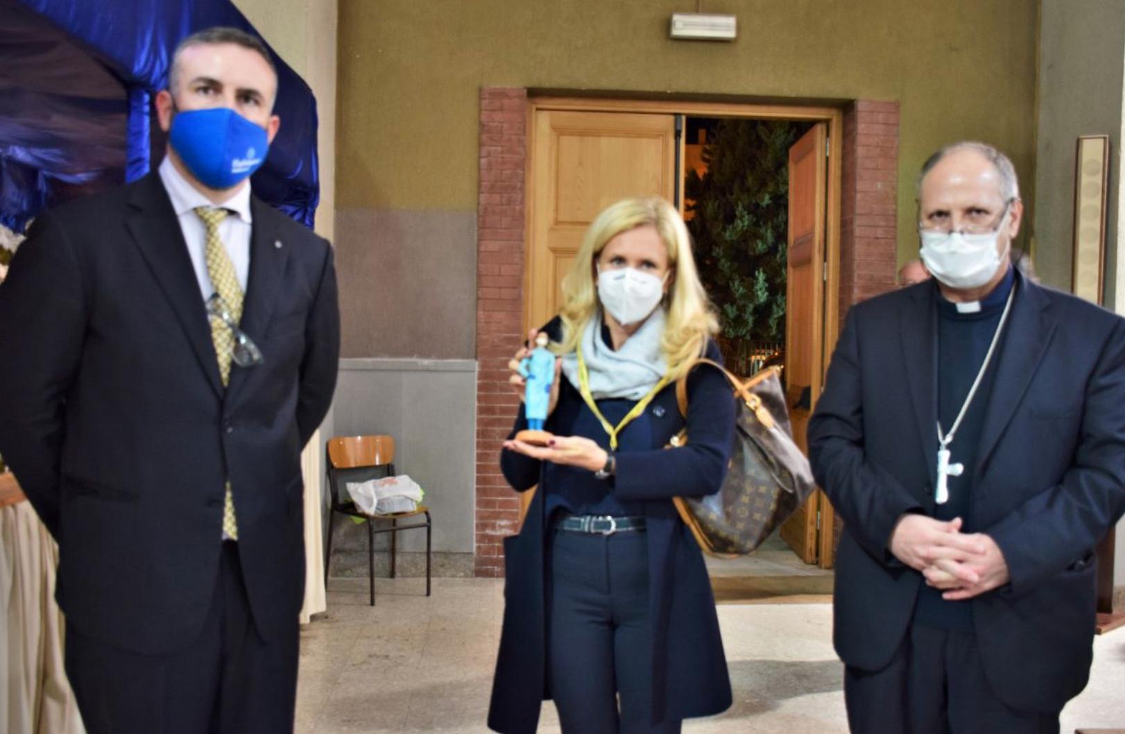 Coldiretti e Confartigianato donano una statuetta del Presepe alle Diocesi di Siracusa e Noto