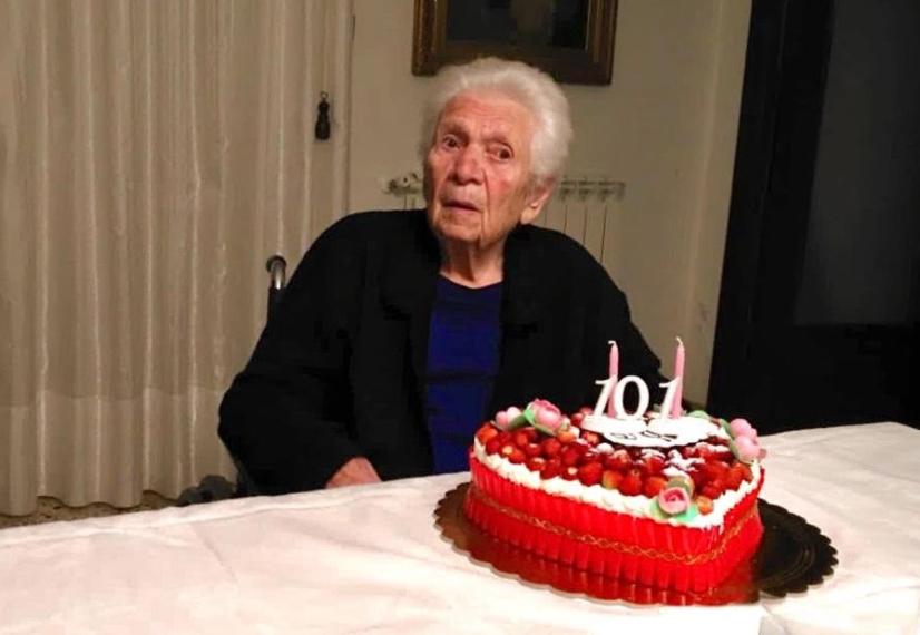 Castellammare del Golfo, nonna Anna compie 101 anni in tempo di covid