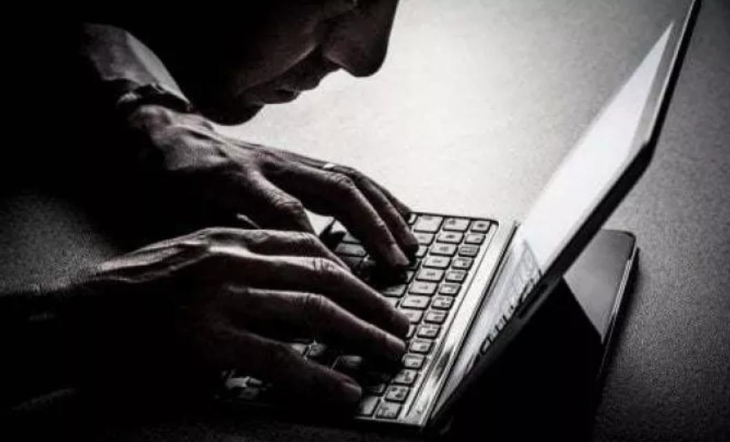Assolda sicario su darkweb per sfregiare ex: arrestato a Milano