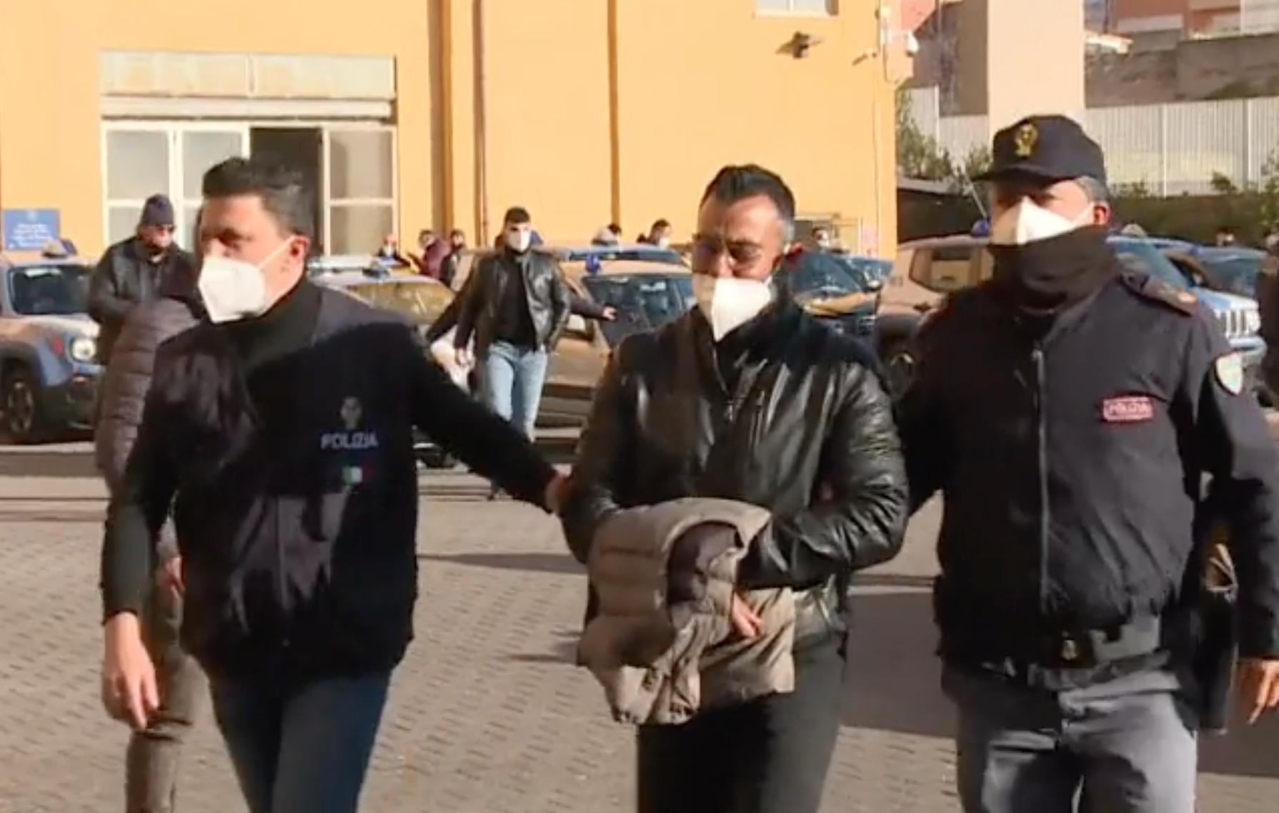 Imponevano il pizzo e controllavano il mercato della droga, 30 arresti nell'Ennese