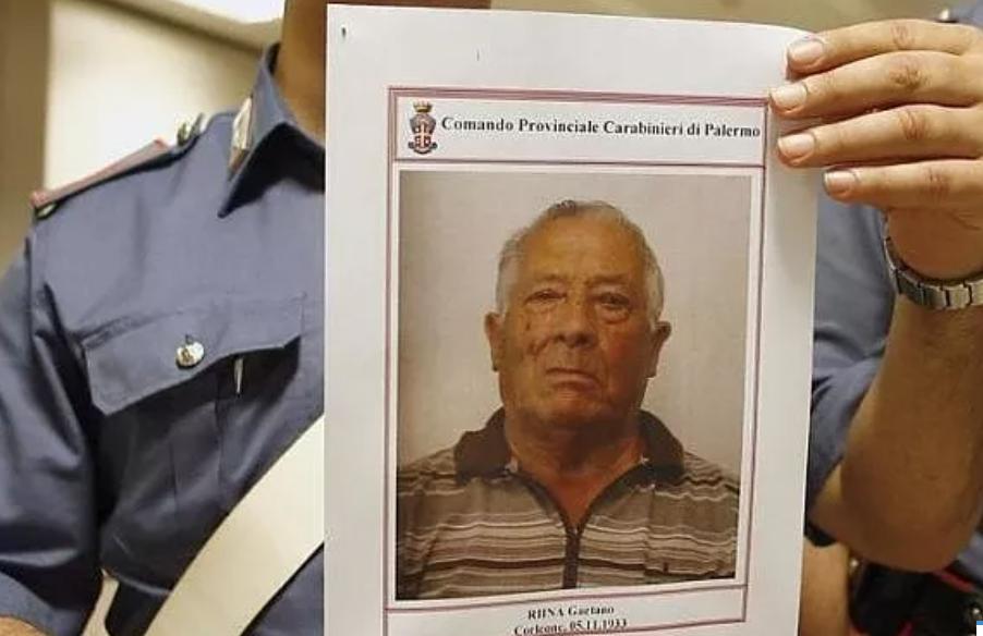 Scarcerato a 88 anni il fratello di Totò Riina: ai domiciliari a Mazara