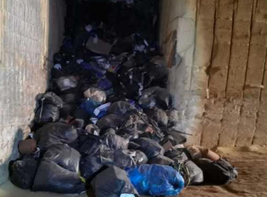Rifiuti di materiali serricoli sotterrati a Marsala, area sequestrata
