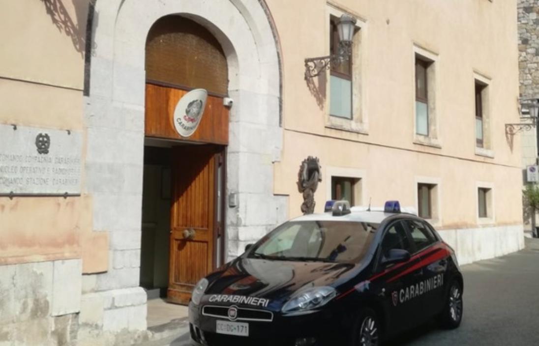 Spacciavano a Taormina e Giardini, botte a chi non pagava: tre arresti