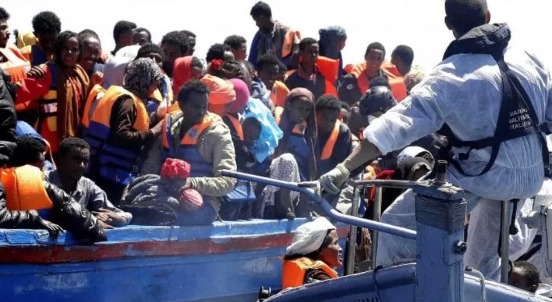 Migranti, naufragio a largo della Tunisia: almeno 23 morti