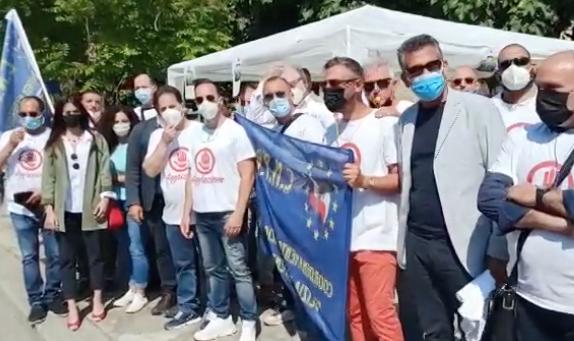Palermo, agenti penitenziari in protesta davanti al carcere  dell'Ucciardone