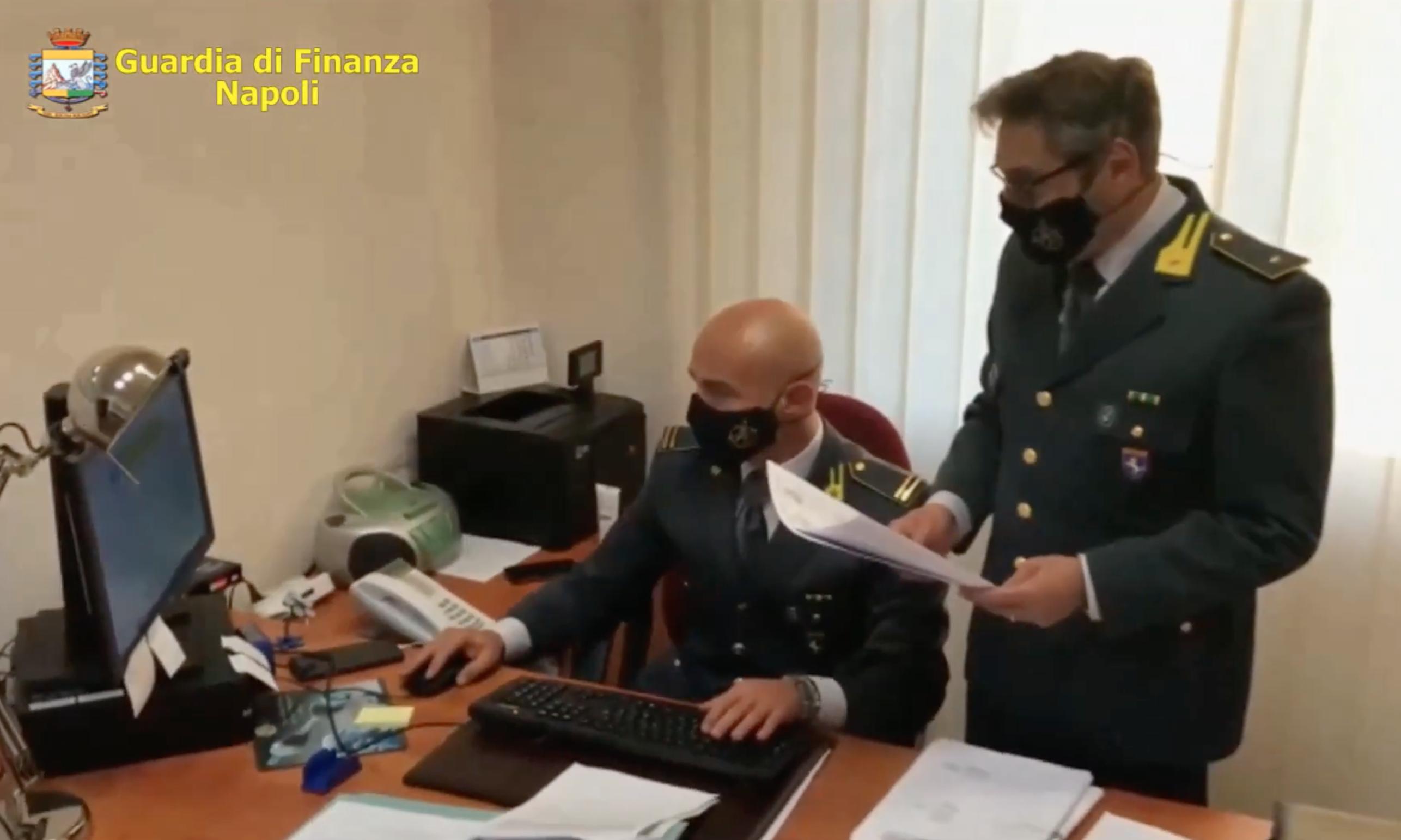 Contrabbando, sequestrati a Napoli beni per 2 milioni a Rocco Cafiero