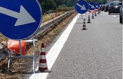 Tir perde carico sulla Catania - Siracusa: transito bloccato nel tratto di Melilli