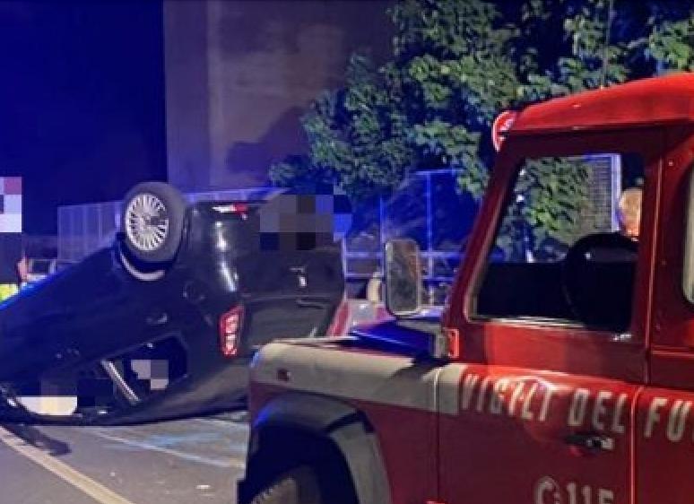 Auto si ribalta tra Taormina e Letojanni: grave un bimbo di due anni