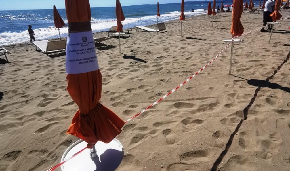Catania, la Capitaneria appone i sigilli a struttura balneare sul Simeto