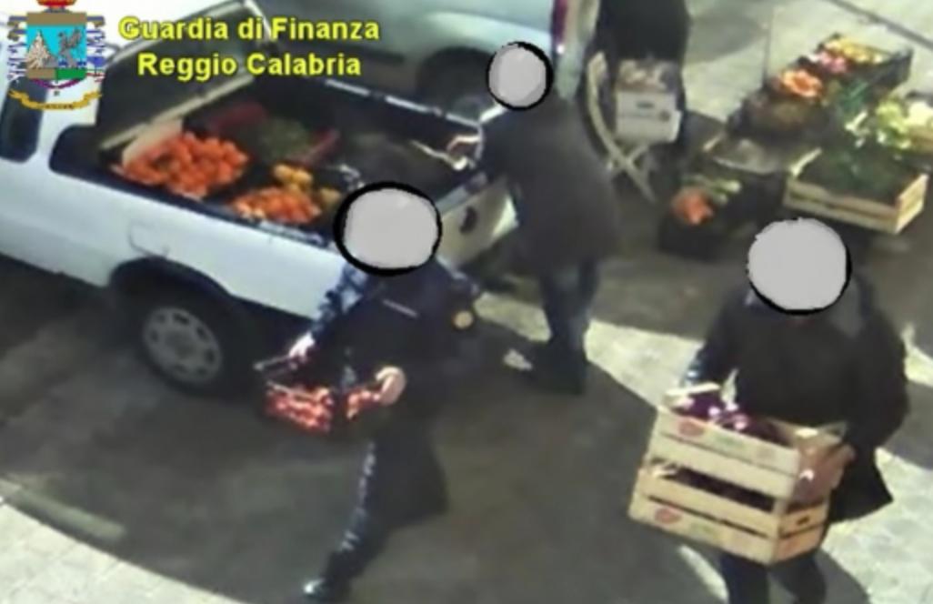 Arrestati  per concussione 2 vigili urbani a Reggio Calabria