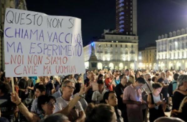 Da Aosta a Ragusa manifestazioni spontanee anti Green pass: