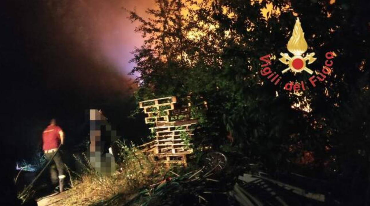 Incendio nella Presila Catanzarese, vigili del fuoco a lavoro