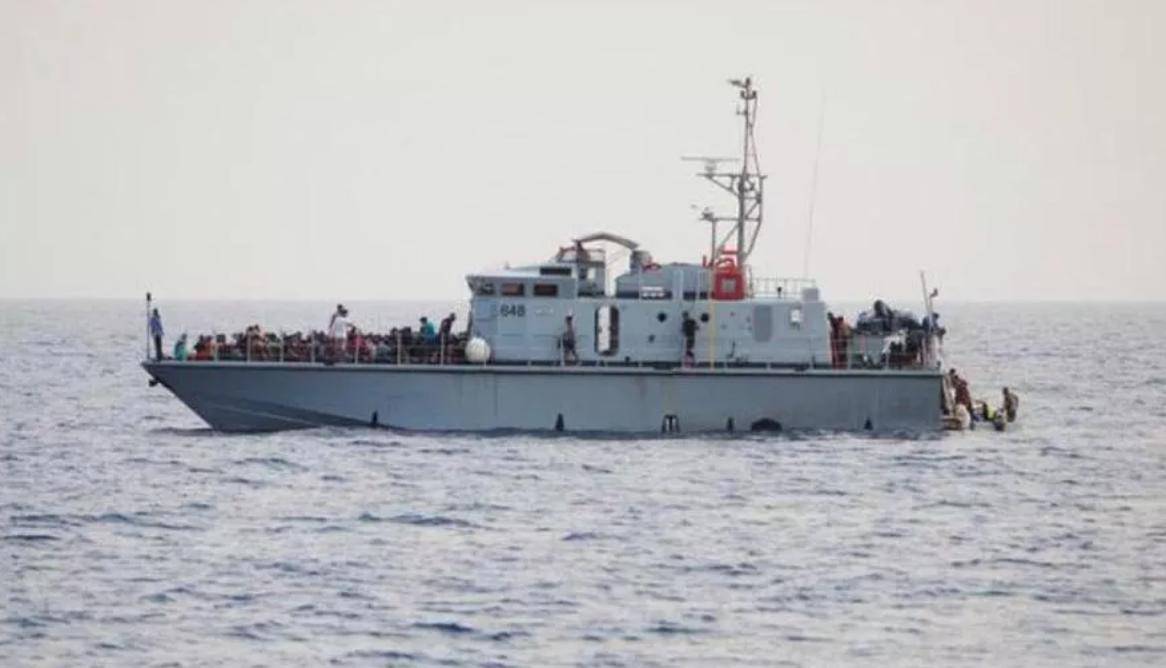 Altri tre salvataggi di migranti da nave dell'Ong a Lampedusa: sono 165