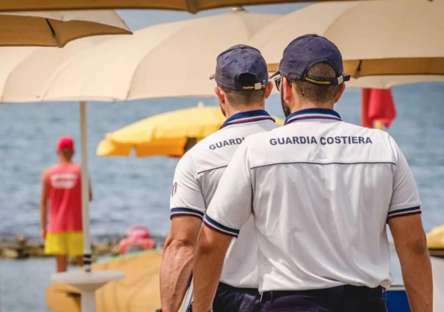 Guardia Costiera sequestra lido abusivo a Lipari