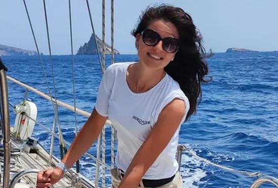 Rogo su barca ormeggiata a Marina di Stabia: morta donna dell'equipaggio