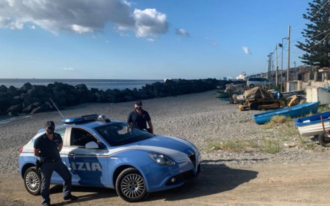 Messina, rubano una barca: arrestate cinque persone, quattro sono donne