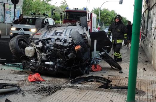 Auto vola da un viadotto A20: un ferito a Torregrotta
