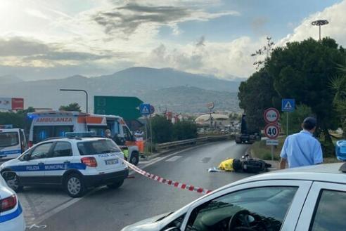 Incidente stradale in via Belgio a Palermo: morto un motociclista