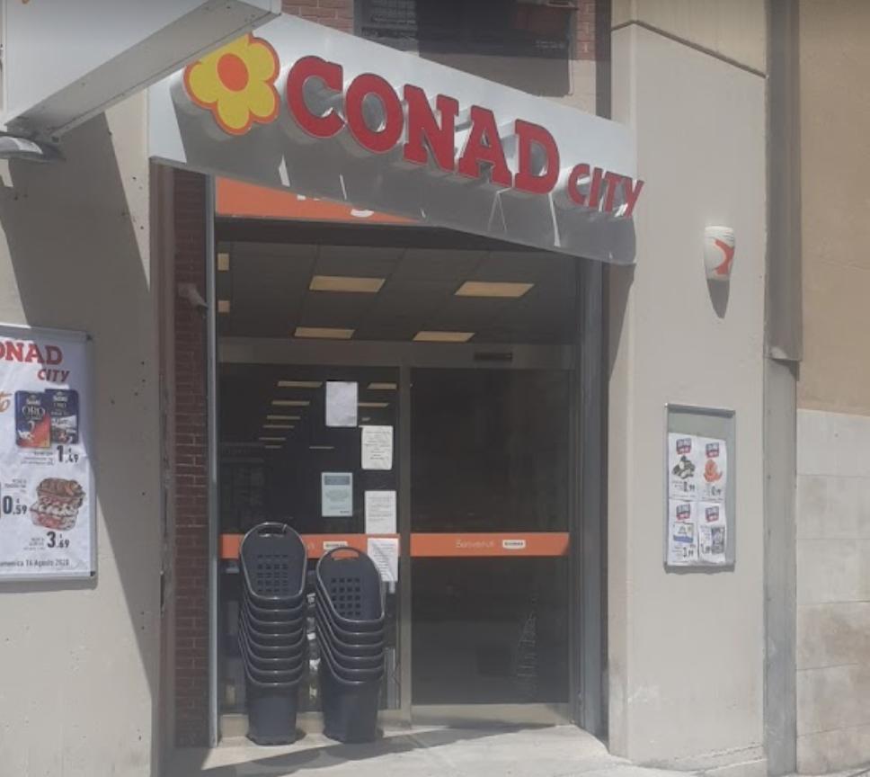 Agente penitenziario sventa una rapina in un punto Conad di Palermo
