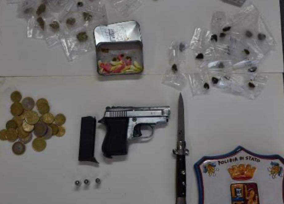 Trovati con pistola, coltello e droga: 2 arresti in via Algeri a Siracusa