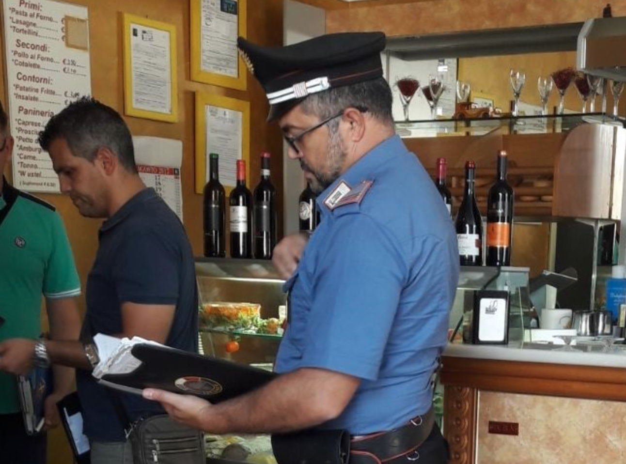 Nascondeva l'hashish nel pozzetto dei gelati: denunciato a Canicattini